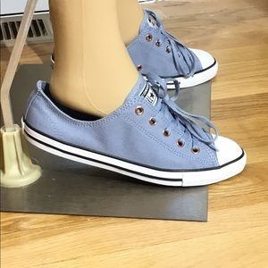 Brand New, Dainty OX Converse Sneakers